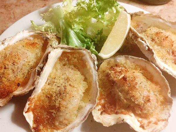 牡蠣と生ハムのチーズパン粉でオーブン焼き